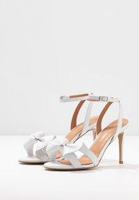 L37 - SUMMER WINE - Højhælede sandaletter / Højhælede sandaler - white - 4