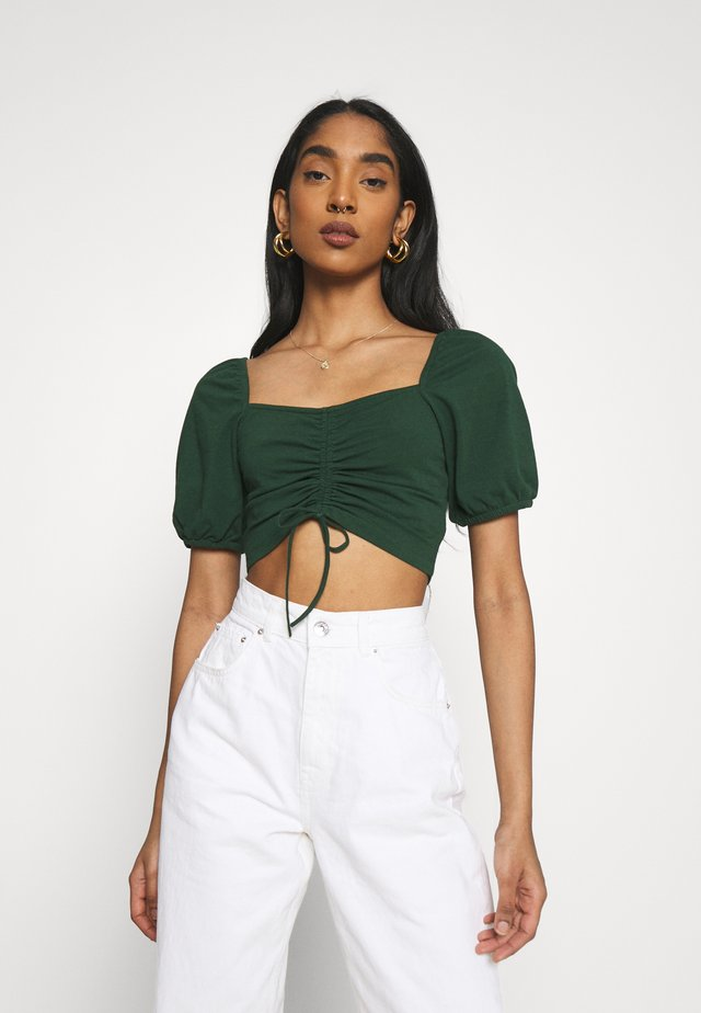 RUCHED CROP TOP - Print T-shirt - forest green