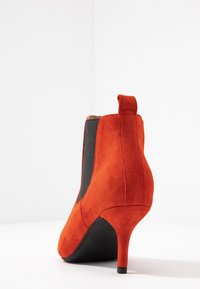 Shoe The Bear - AGNETE CHELSEA  - Ankle boots - red - 5