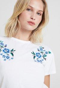 mint&berry - T-shirts med print - white/blue - 3