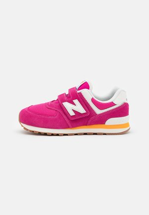 PV574HP2 - Trainers - pink