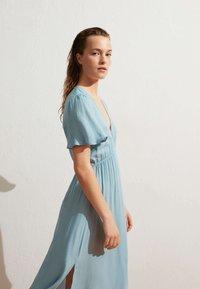 OYSHO - Denní šaty - turquoise - 0