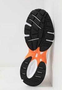 Reebok Classic - RBK PREMIER - Sneakersy niskie - white/matte silver/high vis orange - 4