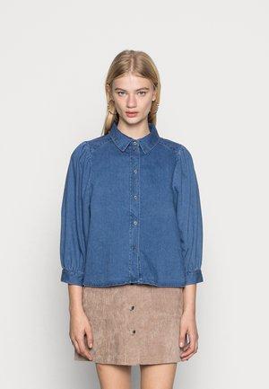 ONLSANDRA LIFE LONG - Skjorte - medium blue denim