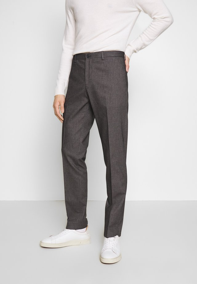 HERRINGBONE SLIM FIT PANTS - Broek - black