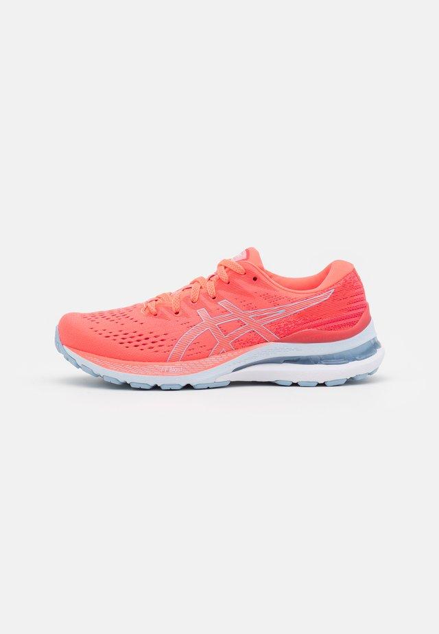 GEL-KAYANO 28 - Stabilty running shoes - blazing coral/mist