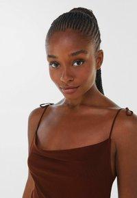 Bershka - Denní šaty - brown - 3