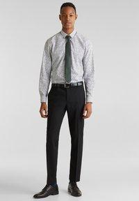 Esprit Collection - ACTIVE - Pantaloni eleganti - black - 0