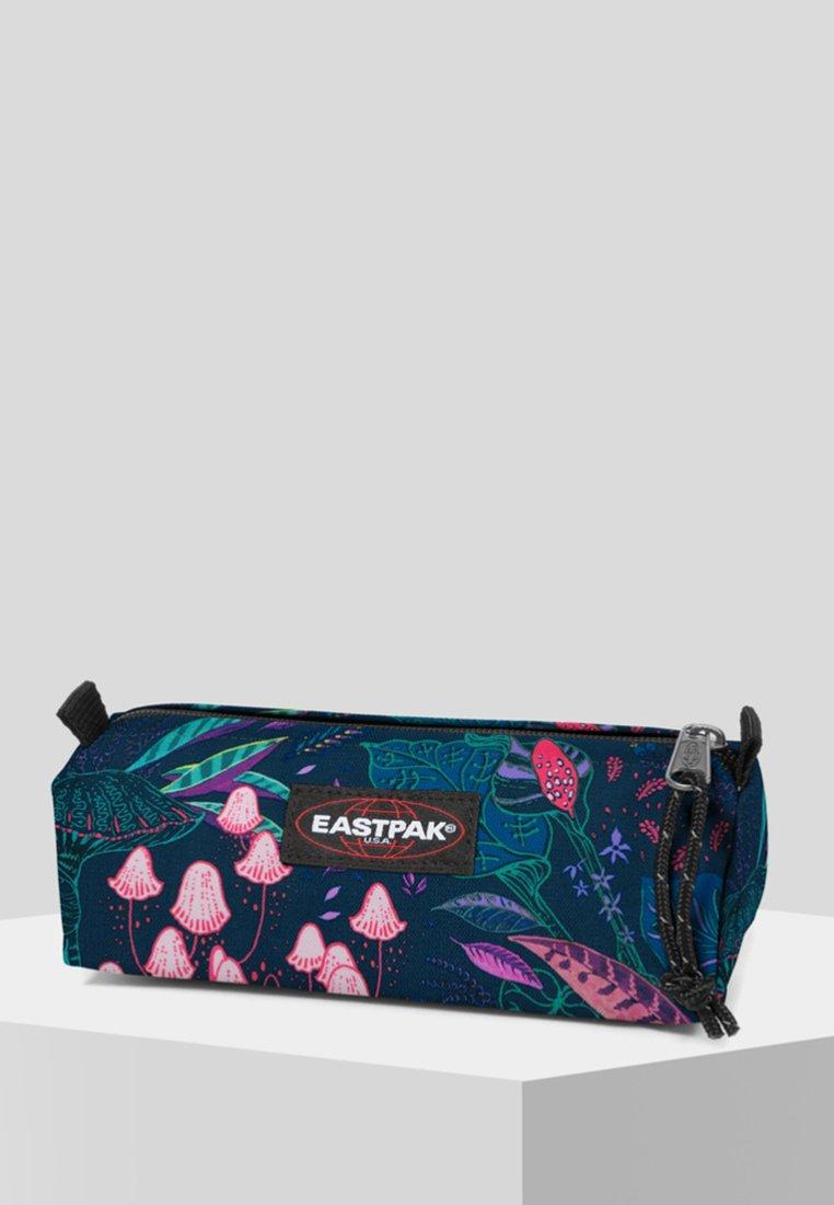 Eastpak - PARADISE GARDEN/AUTHENTIC - Wash bag - run rabbit