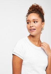 Next - T-shirt imprimé - white - 3