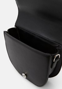 Pieces - PCDONNIA CROSS BODY KEY - Skulderveske - black - 3