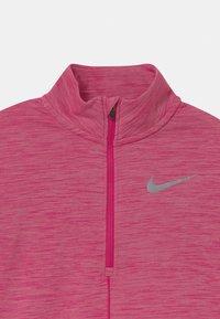 Nike Performance - RUN - Sports shirt - fireberry - 2