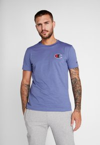 Champion - CREWNECK - Print T-shirt - purple - 0