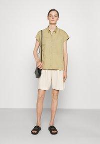 CLOSED - RACHEL - Button-down blouse - green bark - 1
