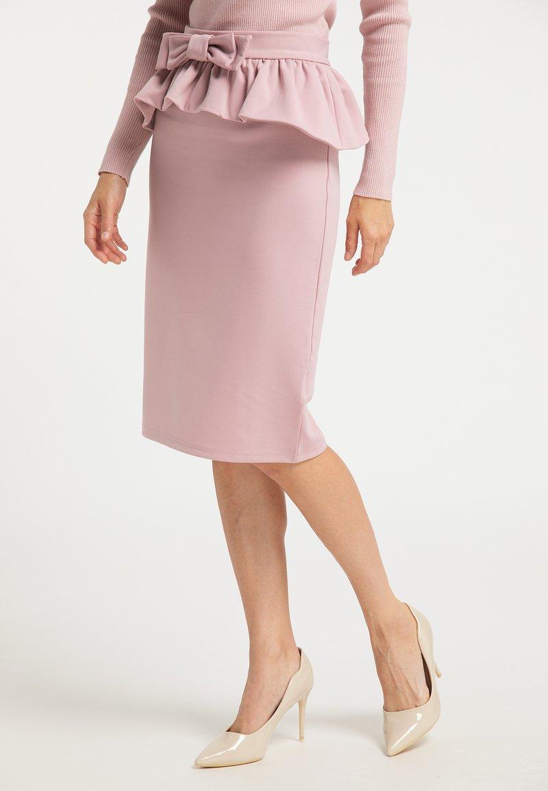 faina - Pencil skirt - rosa