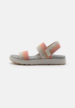 ELLE BACKSTRAP - Chodecké sandály - brick dust/vapor