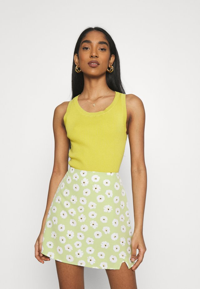 CARE ROUND NECK - Top - olive green