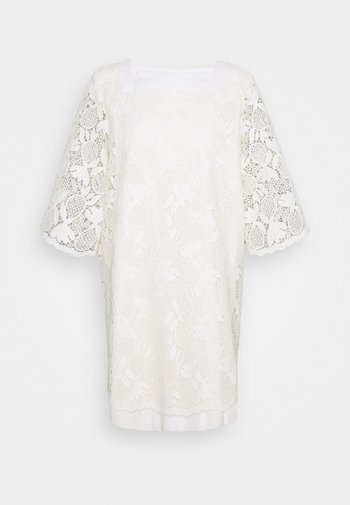 Day dress - pristine white