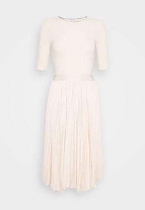 PLEATED SKIRT MIDI DRESS - Denní šaty - white smoke
