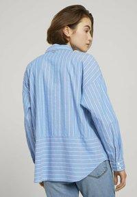 TOM TAILOR DENIM - Button-down blouse - mid blue small white stripe - 2