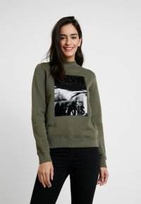 Calvin Klein Jeans - MOCK NECK - Sweatshirt - grape leaf - 0