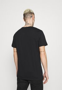 CLOSURE London - FADE FURY TEE - Print T-shirt - black - 2