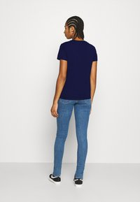 Levi's® - PERFECT TEE - T-shirts med print - blue - 2