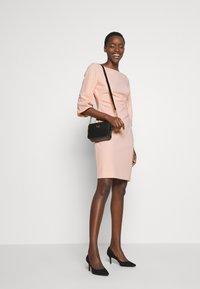 Lauren Ralph Lauren - LUXE DRESS - Žerzejové šaty - pink macaron - 1