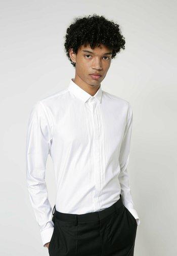 ETRAN - Shirt - open white
