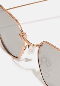 Jeepers Peepers - UNISEX - Sluneční brýle - gold-coloured - 2
