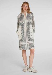 Oui - Day dress - light stone grey - 1