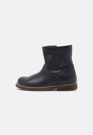 CLOE - Classic ankle boots - blue