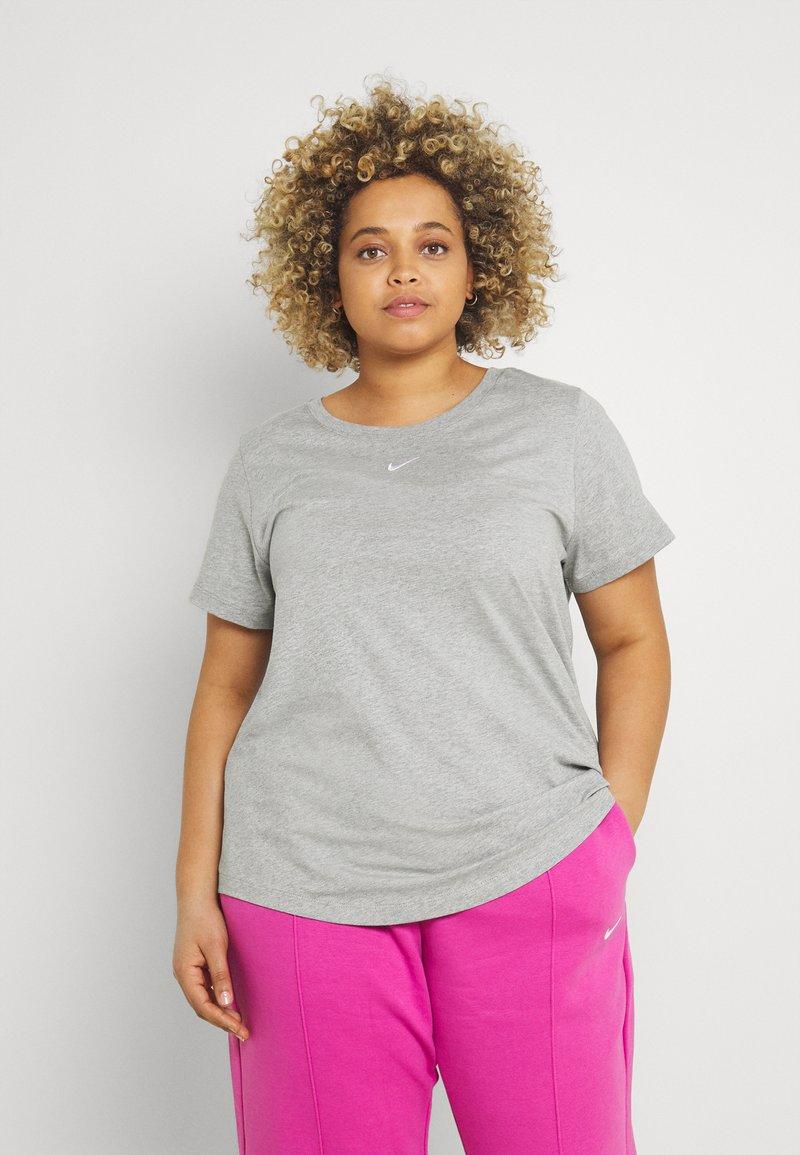 Nike Sportswear - TEE PLUS - Basic T-shirt - grey heather