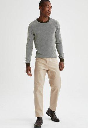 SLIM FIT  - Stickad tröja - khaki