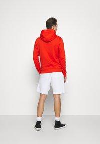 Lyle & Scott - Shorts - white - 2