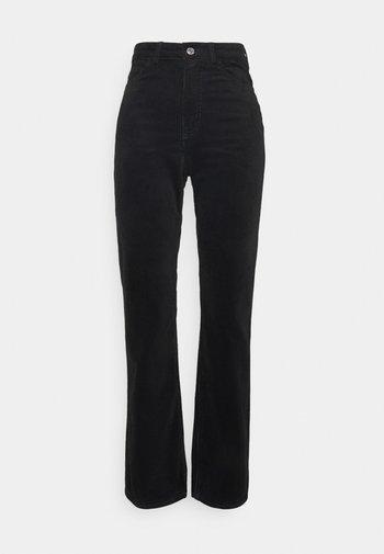 ROWE TROUSER - Trousers - black