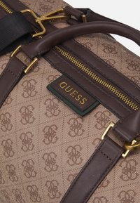 Guess - VEZZOLA UNISEX - Weekend bag - brown - 3