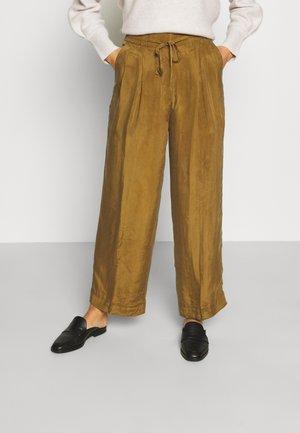 ELASTICATED TROUSER - Pantaloni - maple
