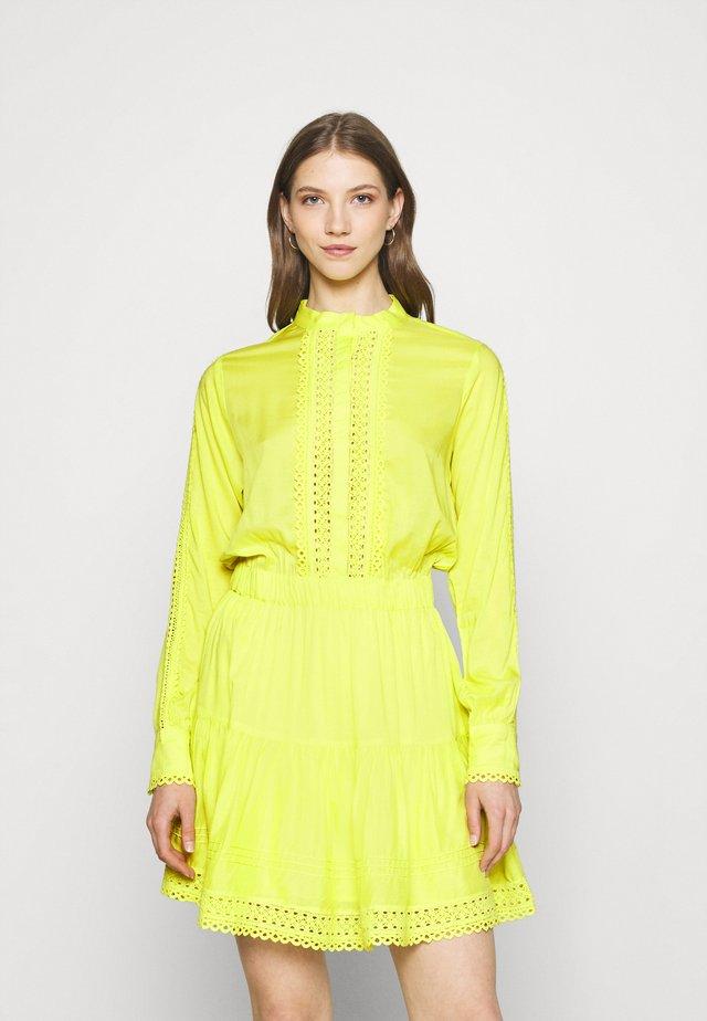 SUMMER DRESS - Shirt dress - poison green