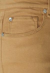 Ivy Copenhagen - ALEXA ANKLE - Jeans Skinny Fit - sand - 2