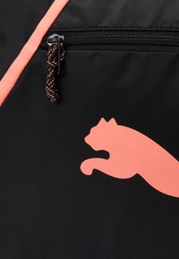 Puma - GRIP BAG PEARL - Bolsa de deporte - black/peach - 4