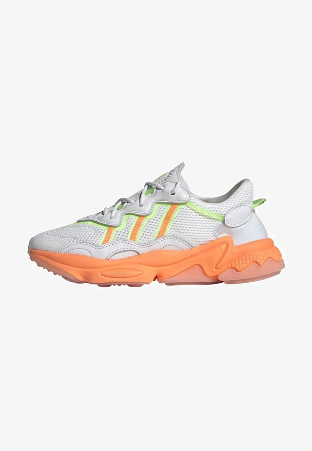 OZWEEGO SPORTS INSPIRED SHOES - Sneakers basse - crywht/sigorg/siggnr