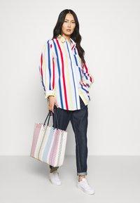 Esprit - PRINTED POPLIN - Skjorte - white - 1