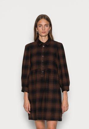 BABYDOLL SHIRTDRESS  - Day dress - rich brown