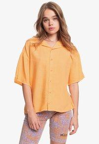 Quiksilver - SURF CAMP - Button-down blouse - chamois - 0