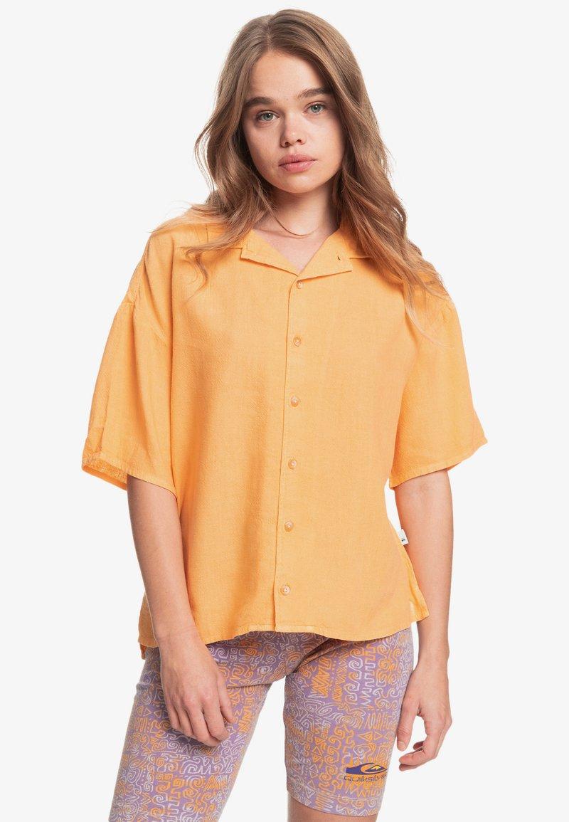 Quiksilver - SURF CAMP - Button-down blouse - chamois