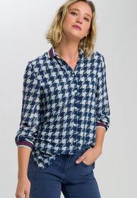Marc Aurel - MIT ALLOVERPRINT - Button-down blouse - blue - 0