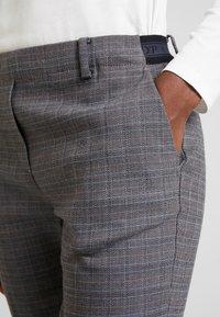 Marc O'Polo - PANTS TAILORED  - Kalhoty - combo - 5