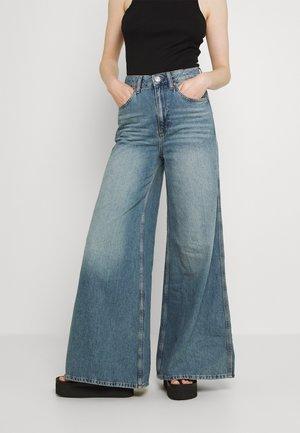 EXTREME SKY - Široké džíny - mid vintage