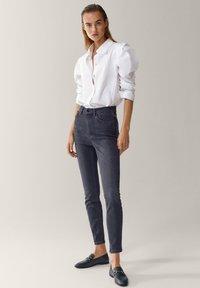 Massimo Dutti - HOHEM BUND - Jeans Skinny Fit - grey - 1